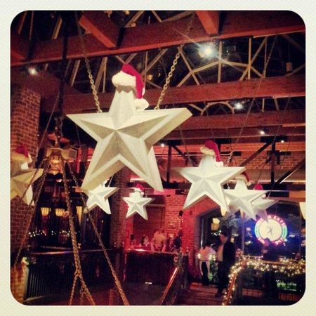 Mike's American Grill : The stars get festive at the holidays