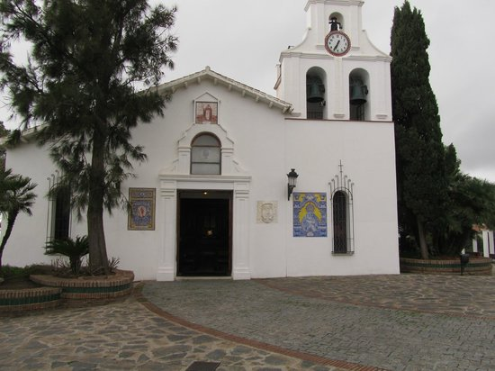Santa Domingo Church (Iglesia de Santa Domingo) : de 'Santa Domingo' vanaf het pleintje(met het prachtige uitzicht)