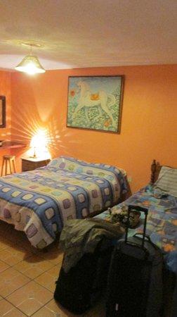 Hotel La Media Luna: Our Room