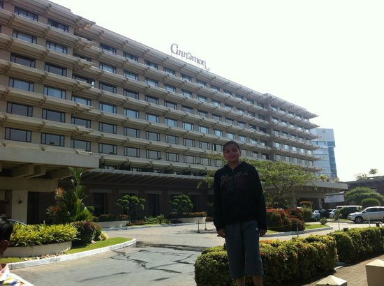 Cinnamon Lakeside Colombo: Hotel view
