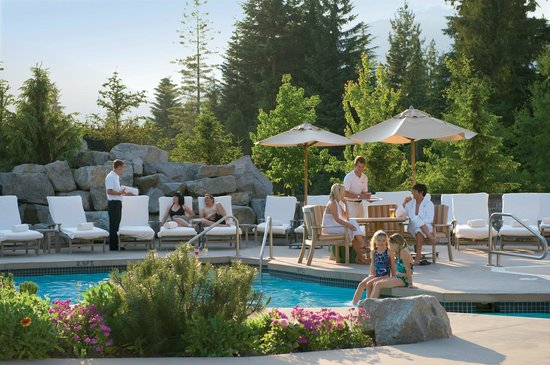 Four Seasons Resort and Residences Whistler: Outdoor Pool