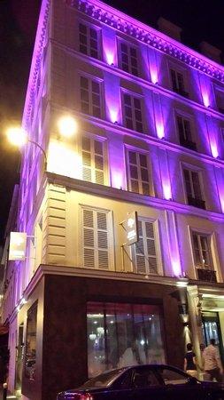 Hôtel Design Secret de Paris : so pretty all lit up