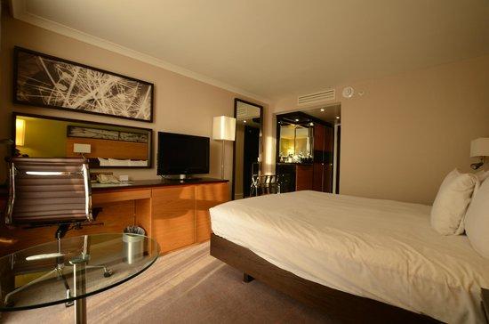 Hilton London Kensington: executive bedroom