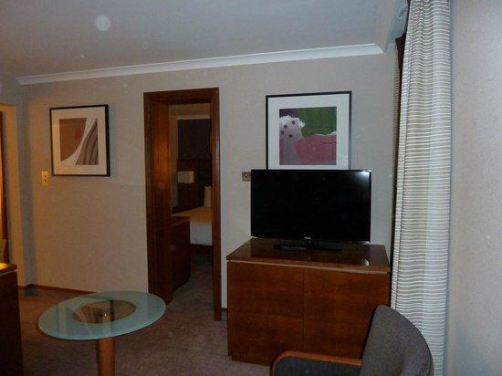 Hilton London Kensington: Junior suite bedroom