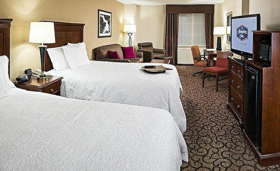 Hampton Inn Littleton: Room with 2 beds and free wifi