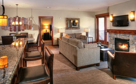 The Village At Squaw Valley: 2 Bedroom (living room)