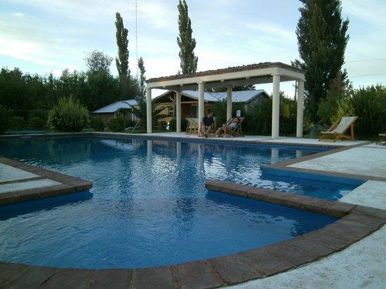 Villa Maria Florales: Pileta