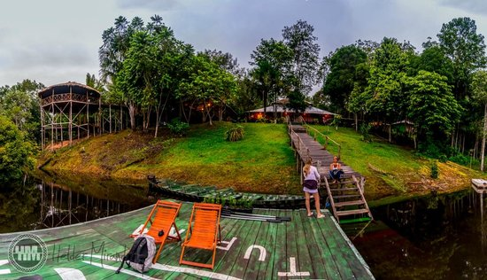 Amazon Tupana Lodge : Panorâmica do hotel e redário