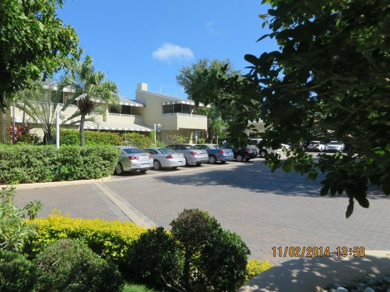 Pier House Resort & Spa : Parking view