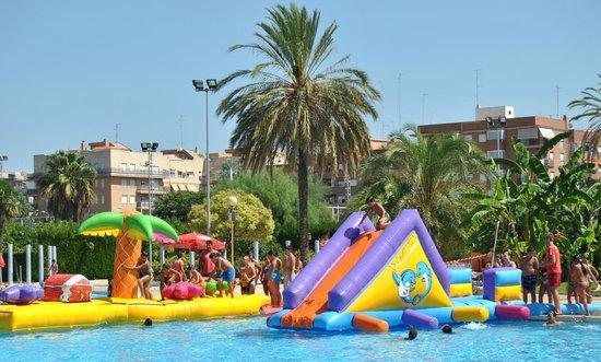 Parque de benicalap valencia spain top tips before you for Benicalap piscina