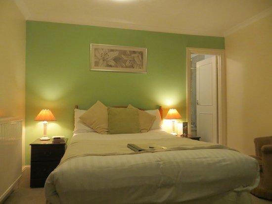 The Belmont Hotel & Restaurant: Room 6