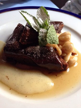 Restaurant U Modre kachnicky : Bolo de chocolate quente com creme de baunilha, excelente!