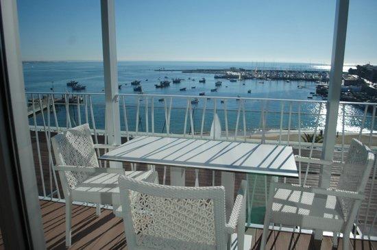 Hotel Baia : terraza de la piscina en el ultimo piso