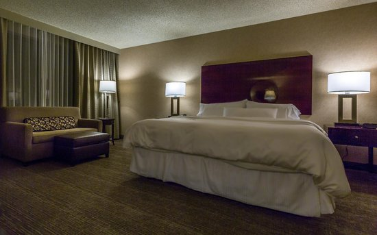 The Westin Los Angeles Airport: King Bedroom
