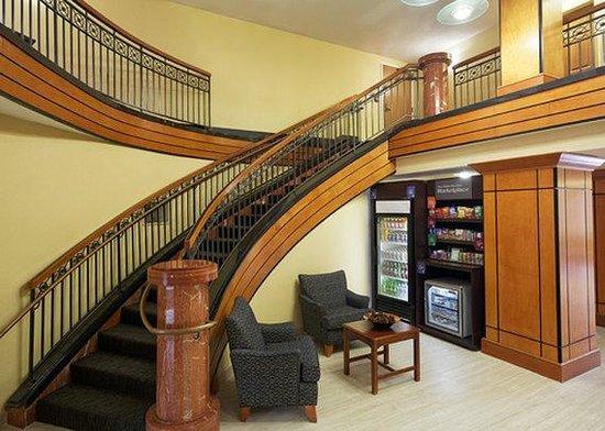 Comfort Suites Innsbrook: Hospitality Center
