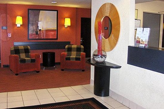 Extended Stay America - Atlanta - Clairmont: Lobby and Guest Check-in