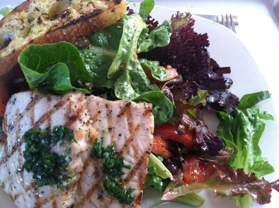 Tender Greens : An Excellent Seared Tuna Salad