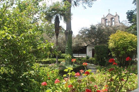 Hacienda La Cienega: the courtyard