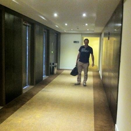 Staybridge Suites Sao Paulo: Hall dos elevadores