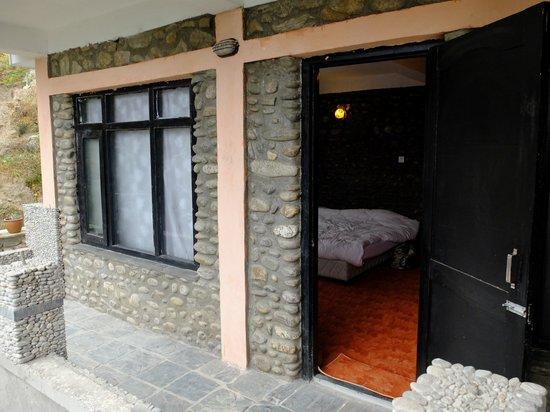Peaceful Cottage & Cafe du Mont: 部屋のバルコニー