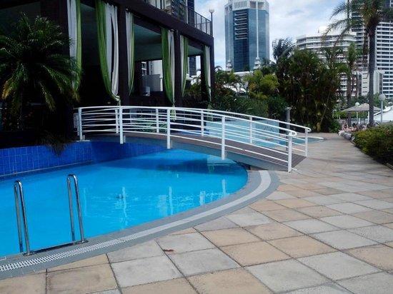 Vibe Hotel Gold Coast: Pool