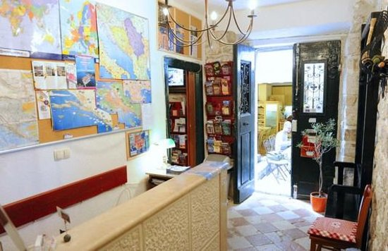 Old Town Hostel: Reception