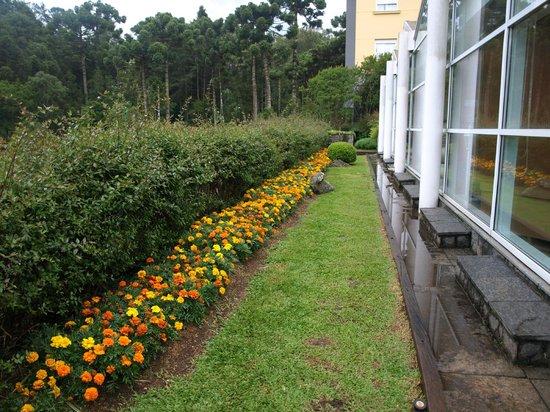 Grande Hotel Campos do Jordao: Mais jardins
