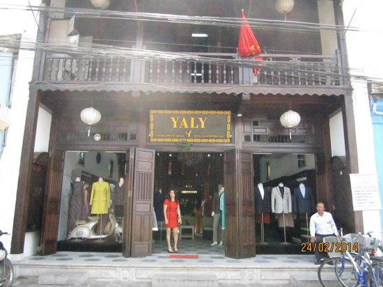 Yaly Couture - Tran Phu branch