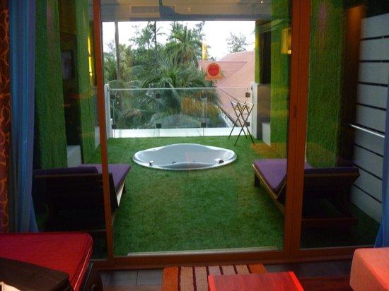 Patong Beach Hotel : spa room