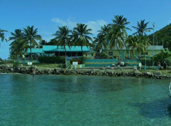 Timothy Beach Resort: The beach and restaurant