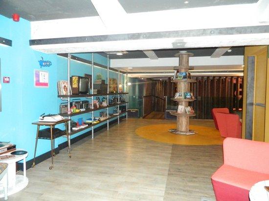 Generator Hostel Barcelona: Área comum