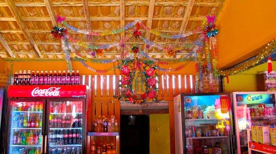 Casa de La Sirena: Small store