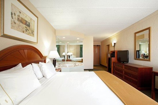 Holiday Inn Express Racine (I-94 @ Exit 333) : Guest Room