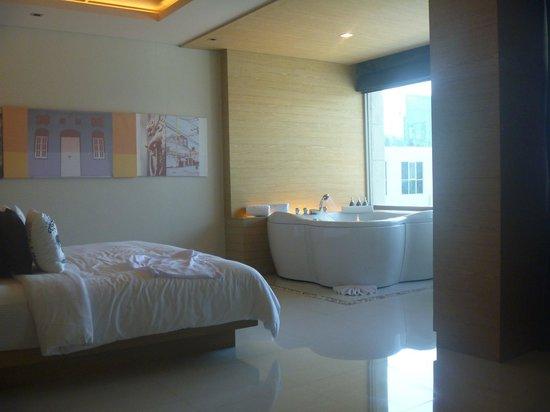 The KEE Resort & Spa : upgarded top floor room