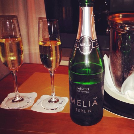 Meliá Berlin: They gave us a free bottle of champaign and an upgrade to a beautiful junior suite to correct a