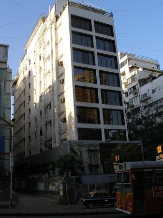 The Shalimar Hotel : Outside of hotel