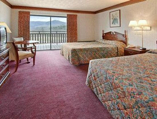 Knights Inn Dillard: Two Beds