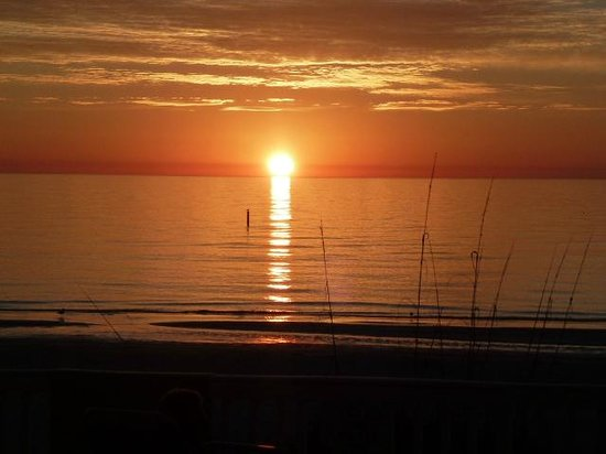 Fifty Gulfside Condominiums: Nightly sunsets!