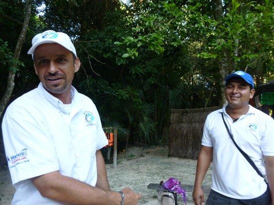 Rancho Bonanza: Nuestro guia Carlos y Mr. Papparazzi