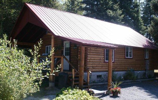 Pierce, ID: Log Cabin