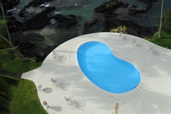 Hilo Naniloa Hotel: いつも誰もいないプール