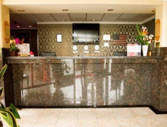 Ramada Commerce/Los Angeles Area: Front Desk