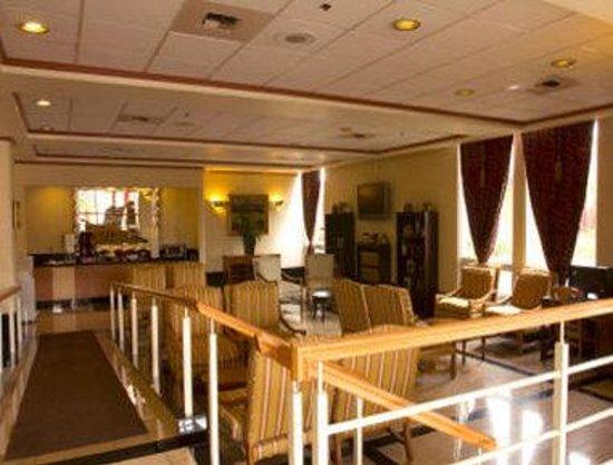 Ramada Commerce/Los Angeles Area: Breakfast Area
