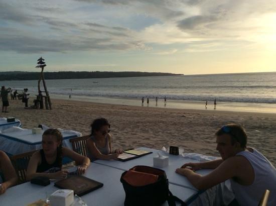 Jimbaran Bay : dinner on the beach