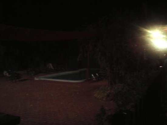 Margaret River Lodge: the pool at night