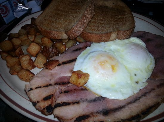 Colorado Belle Hotel & Casino: yummy breakfast in one of the restaurant of the colorado belle. $5.99 special