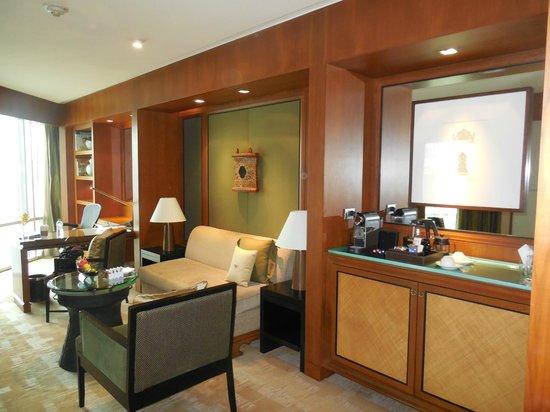 Conrad Bangkok Hotel : Living Area - Executive Suite