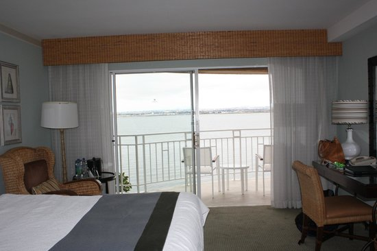 Loews Coronado Bay Resort: Room w/Partial Bay View