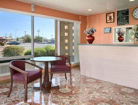 Mesa Travelodge: Lobby