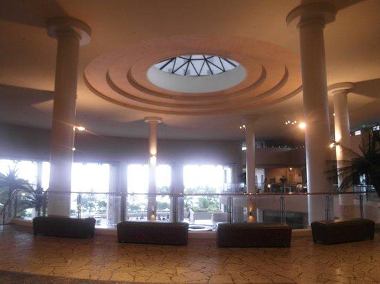 Hotel Nikko Guam: 니코 괌 로비